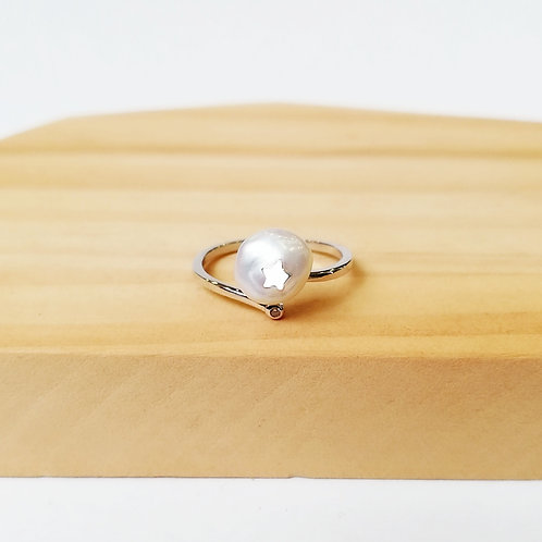 FRESHWATER PEARL WITH STAR ADJUSTABLE RING IN STERLING SILVER