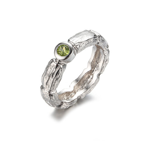 HANDMADE SILVER RING WITH PERIDOT