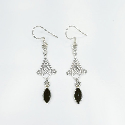 CELTIC KNOT HANGING EARRING WITH BLACK AGATE