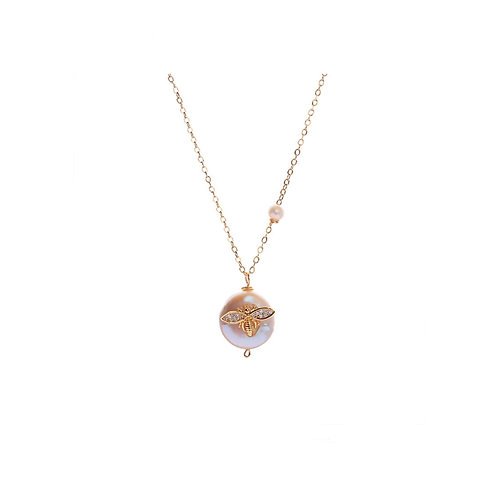 FRESHWATER PEARL NECKLACE WITH BEE