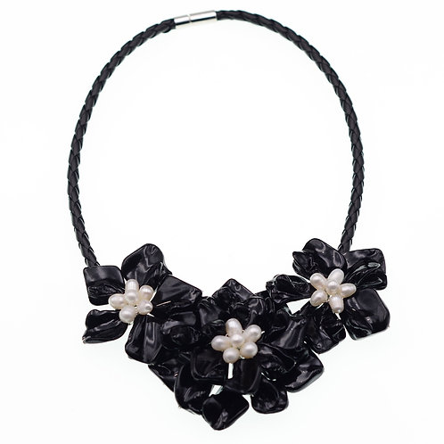 BLACK FLOWER BLOSSOM STATEMENT NECKLACE WITH FRESHWATER PEARLS