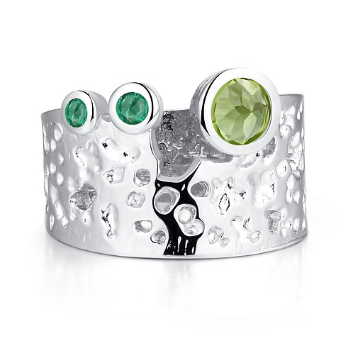 HANDMADE STERLING SILVER RING WITH PERIDOT