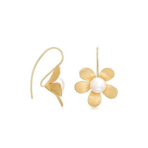 GOLD VERMEIL LARGE DAISY EARRINGS WITH FRESHWATER PEARL