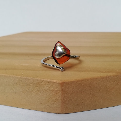 IRREGULAR AMBER WITH HEART ADJUSTABLE RING IN STERLING SILVER