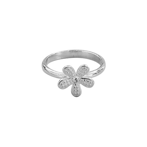 SPARKLING DAISY RING IN STERLING SILVER