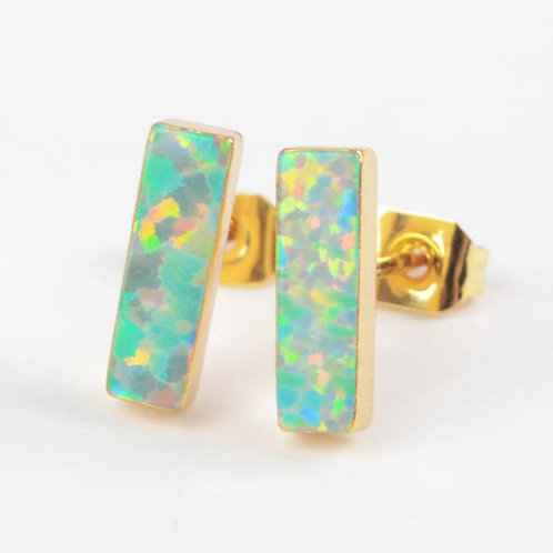 GOLD-PLATED SYNTHETIC WHITE OPAL RECTANGLE STUDS