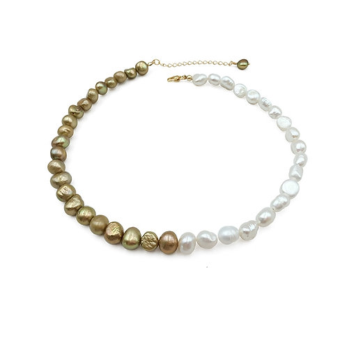 GOLD AND WHITE FRESHWATER PEARL NECKLACE
