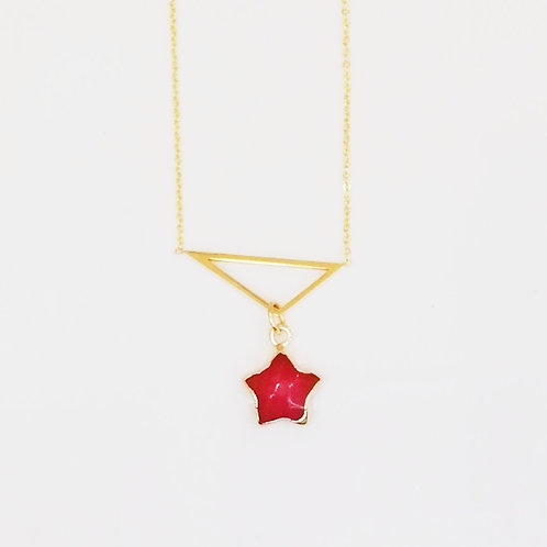 GOLD-PLATED TRIANGLE PENDANT WITH RED QUARTZ STAR