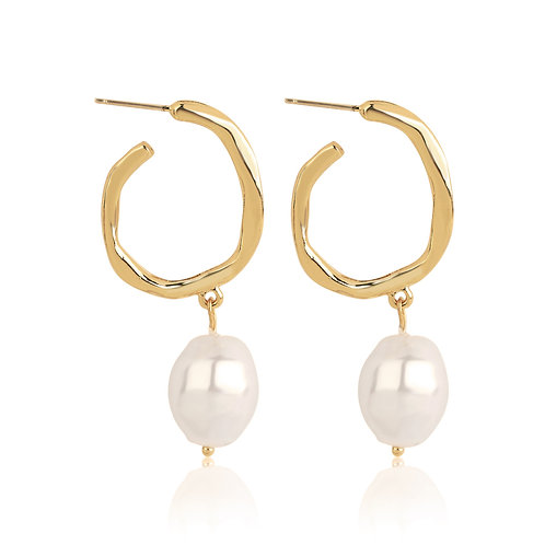 GOLD-PLATED HOOP EARRINGS WITH PEARL