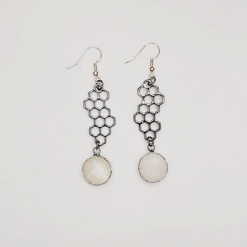 HONEYCOMB SILVER PLATED EARRINGS WITH MOONSTONE