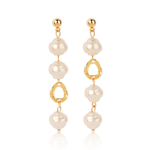 GOLD-PLATED PEARL DANGLING EARRINGS