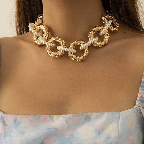PRETTY IN PEARL RING NECKLACE