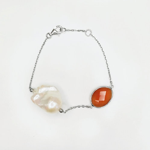LARGE BAROQUE PEARL WITH CARNELIAN STERLING SILVER BRACELET