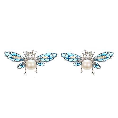 CHARMING CREATURES BLUE ENAMEL SILVER BEE EARRINGS WITH PERFECT FRESHWATER PEARL