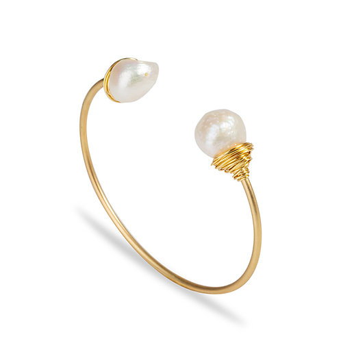 FRESHWATER PEARL STATEMENT BANGLE