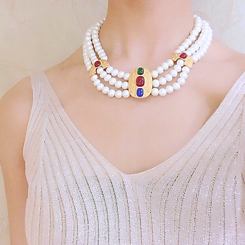 PRETTY IN PEARL STATEMENT NECKLACE