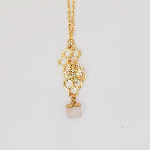 GOLD-PLATED BEE HONEYCOMB NECKLACE WITH ROSE QUARTZ