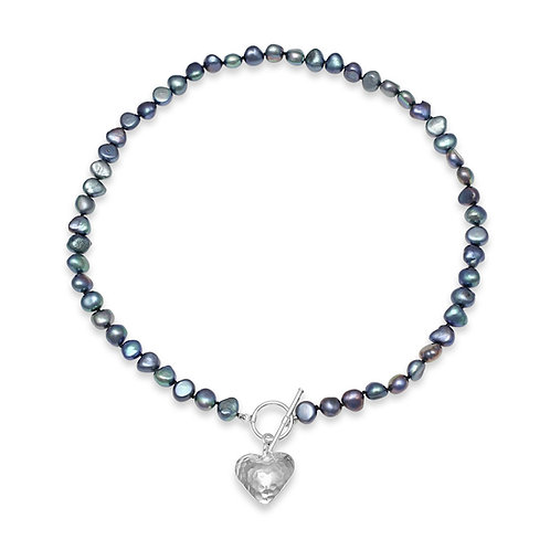 BLACK  FRESHWATER PEARL NECKLACE  WITH HAMMERED SILVER HEART