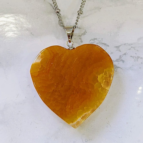 AMBER AGATE HEART NECKLACE