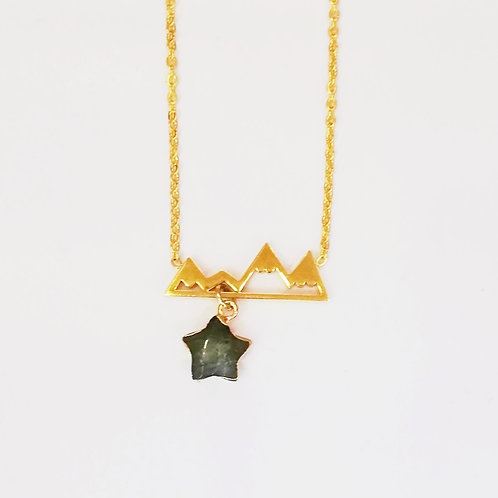 GOLD-PLATED MOUNTAIN NECKLACE WITH LABRADORITE STAR