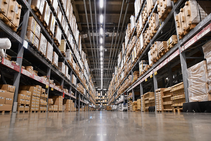 It is a warehouse of a large-scale shopping center_.jpg