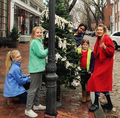 tree decorating II_edited.jpg