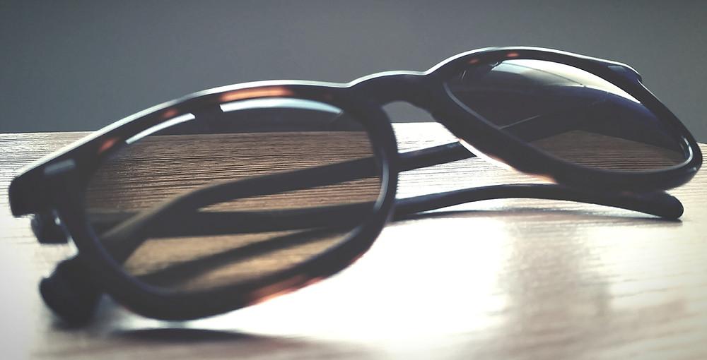 óculos de sol falsificado