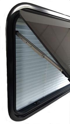 Flush RV window