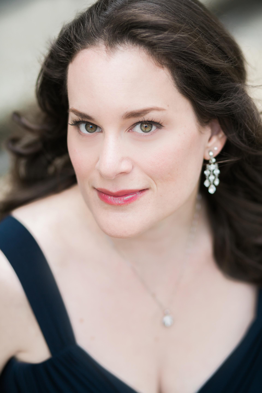 Donna Breitzer Headshot
