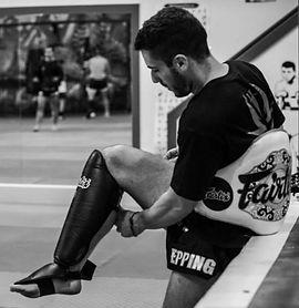 Muay Thai leg injury risks