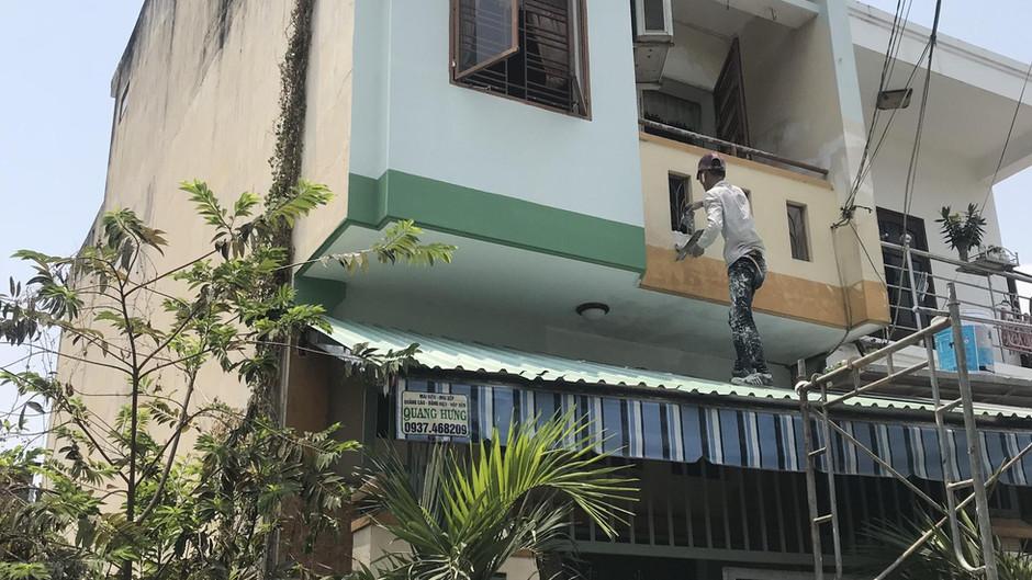 Thợ sơn nhà Hóc Môn
