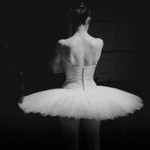 ballerina-ballet-black-and-white-dancer-tutu-Favim.com-46086.jpg