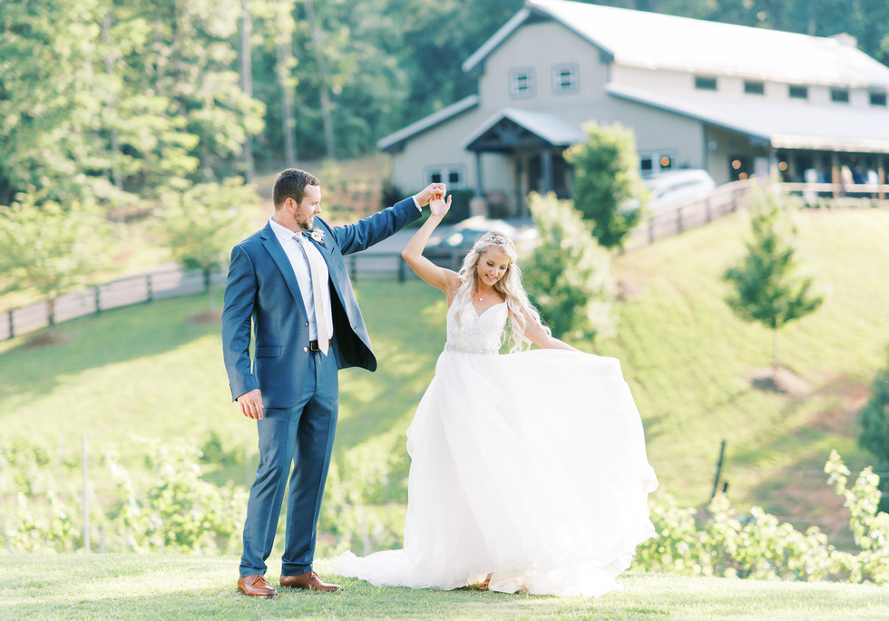 blue-mountain-vineyard-wedding-atlanta-w