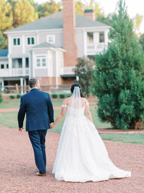 barn-at-oak-manor-wedding-351.jpg