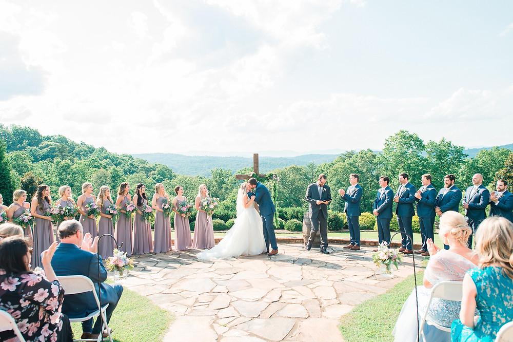 blue mountain vineyard dahlonega wedding venue-glorious moments photography-atlanta wedding photographer