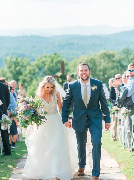 blue-mountain-vineyard-romantic-wedding-