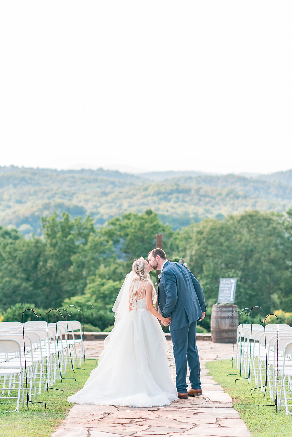 blue mountain vineyard dahlonega wedding venue-glorious moments photography-atlanta wedding photographer-vineyard mountain view