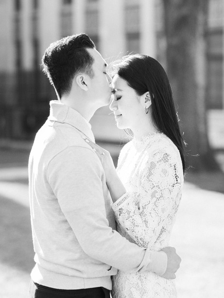 elegant-urban-engagement-session-in-down