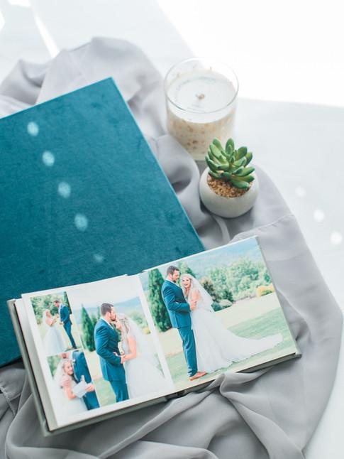 museum-quality-wedding-album-with velvet