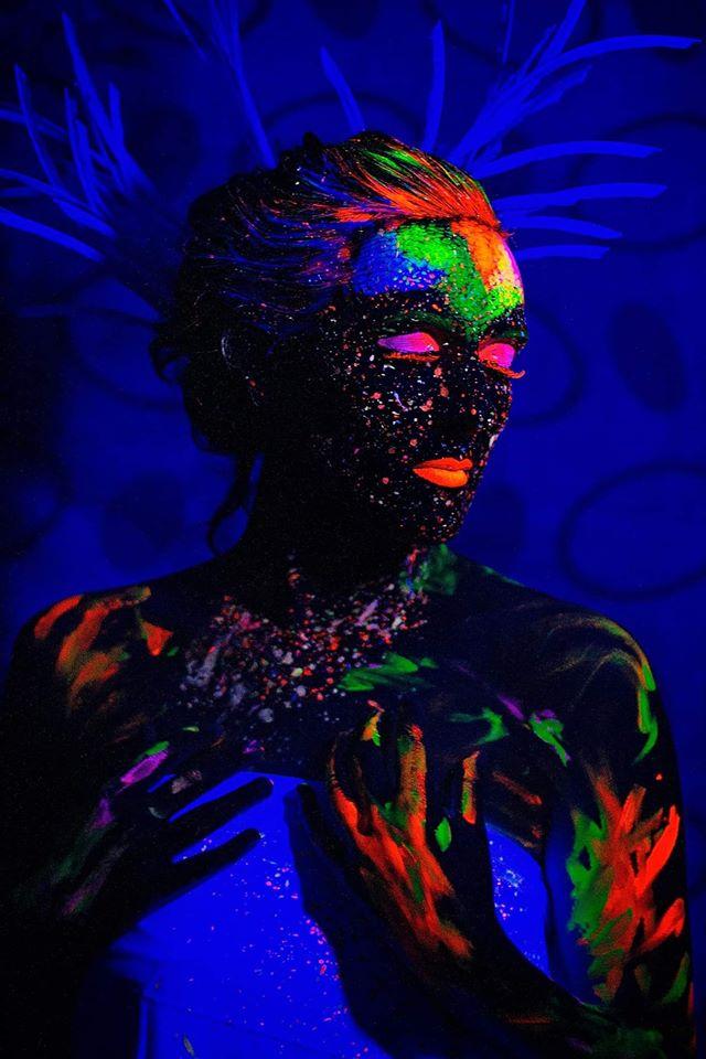 Dark/Glowing photo-shooting makeup model