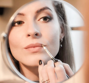 Expres makeup model