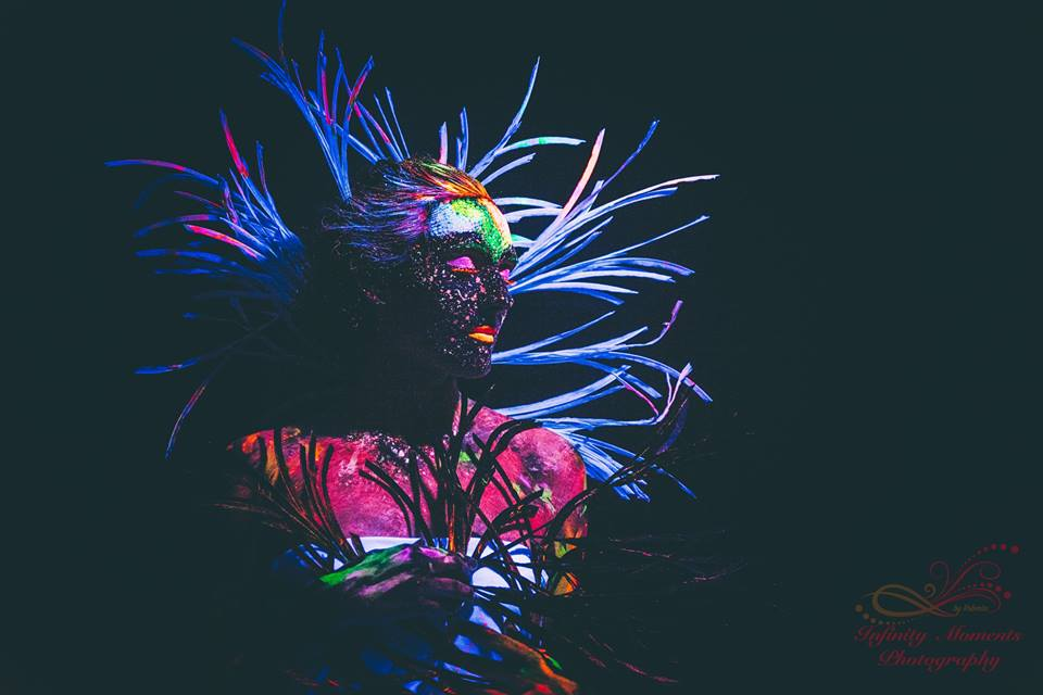 "Dark/Glowing photo-shooting makeup model ""Beautiful Creature"""