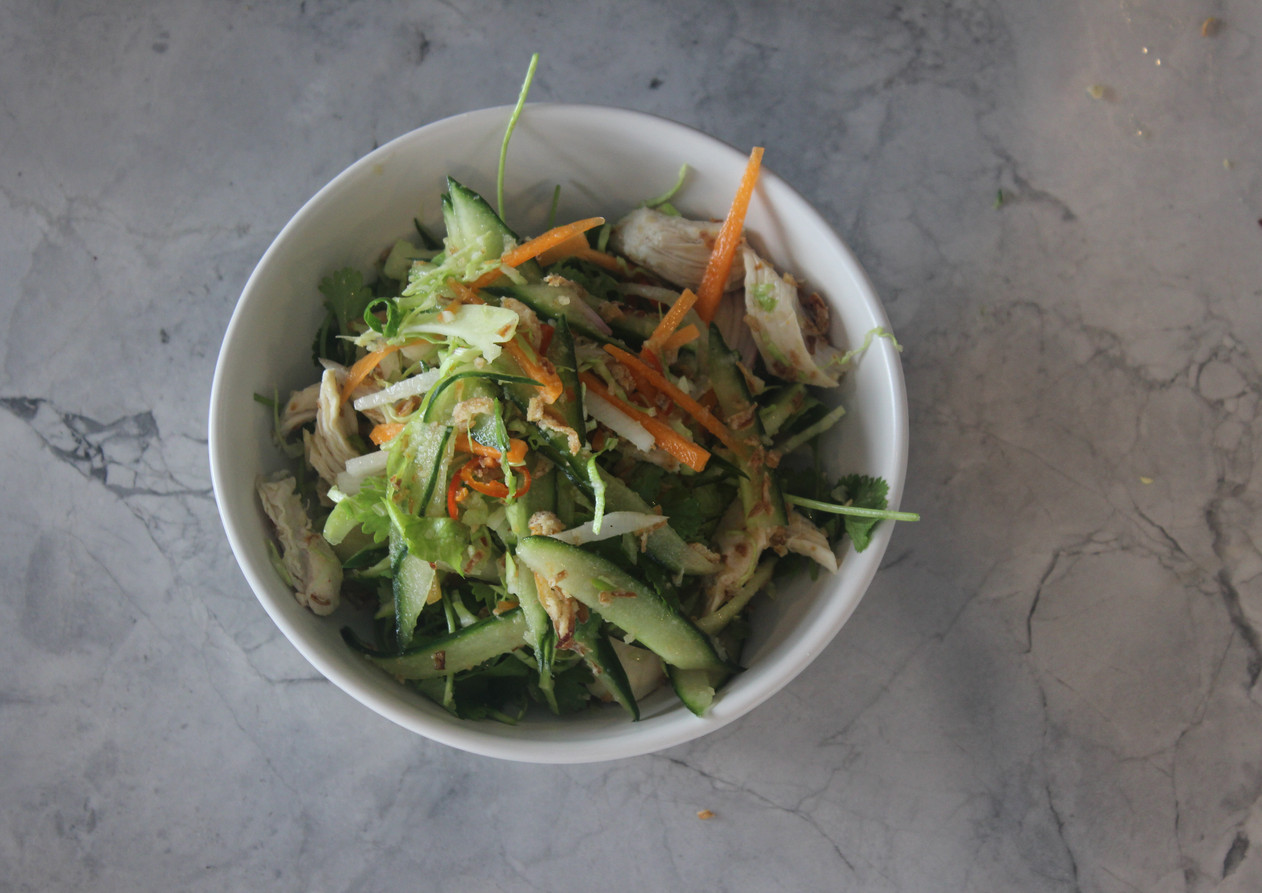 Vietnamese Slaw w poached chicken