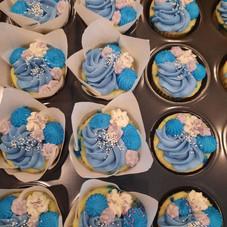 Baby shower blue 3.jpg