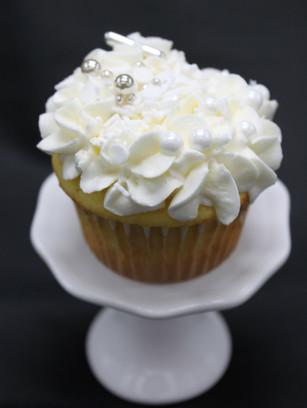 Vanilla, vanilla buttercream-sprinkles