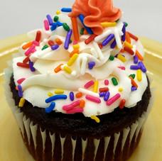 Chocolate with buttercream, sprinkles-Jumbo