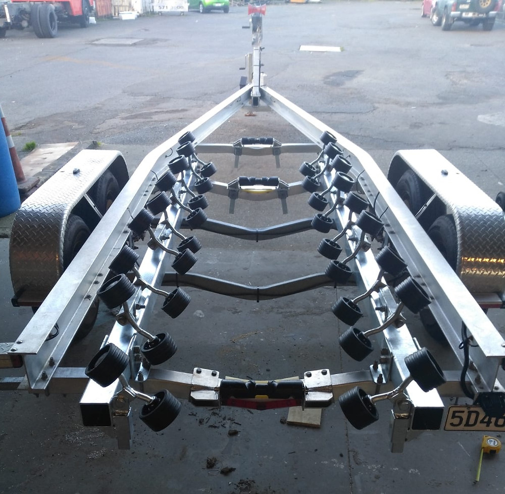 Large trailer for boat