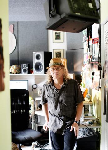 Neil Case - Bass Mekanik / for Electronic Beats Magazine