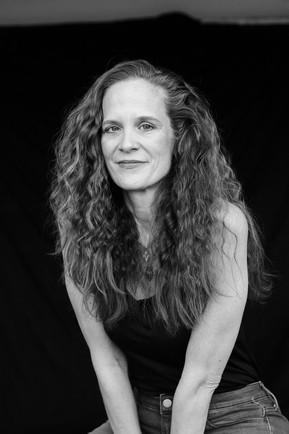 Mia Leonin, Author