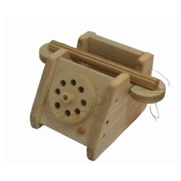 טלפון מעץ מלא
